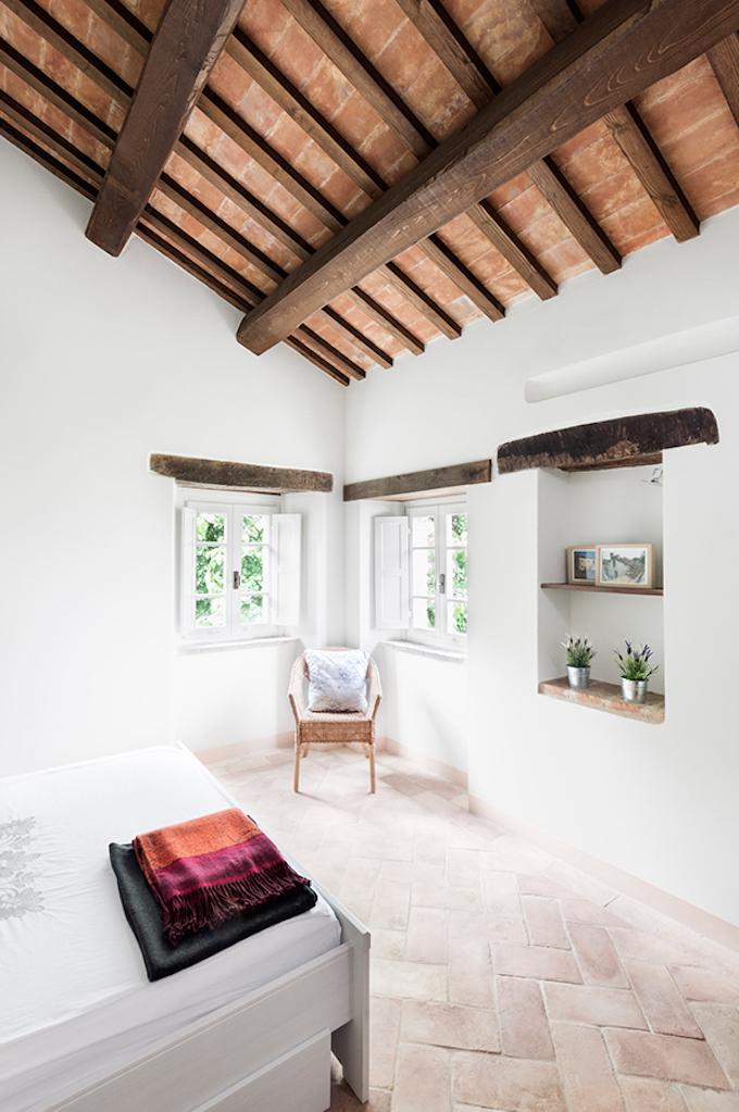 Beautiful Italian Villa by Roy David Studio-5