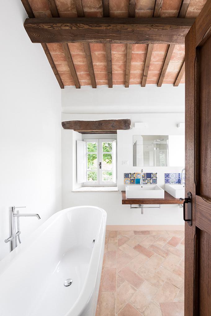 Beautiful Italian Villa by Roy David Studio-6