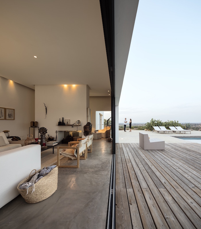 A house in Portugal that combines Indoor-Outdoor living