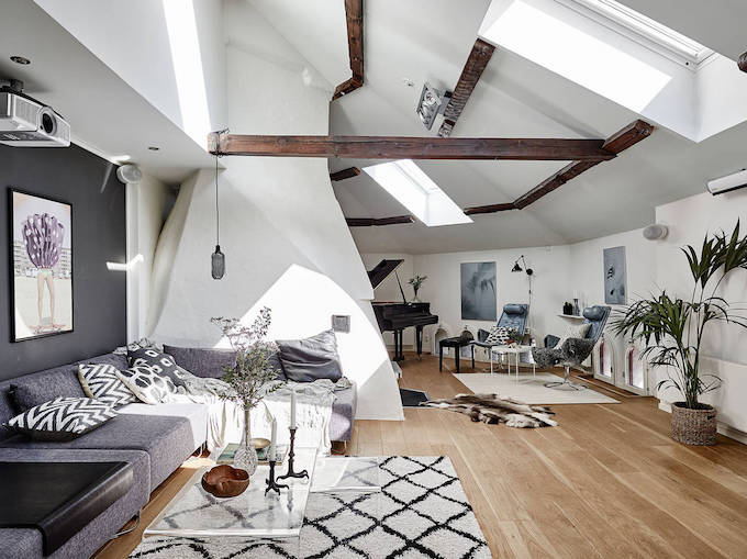 Bright And Spacious Attic Abode