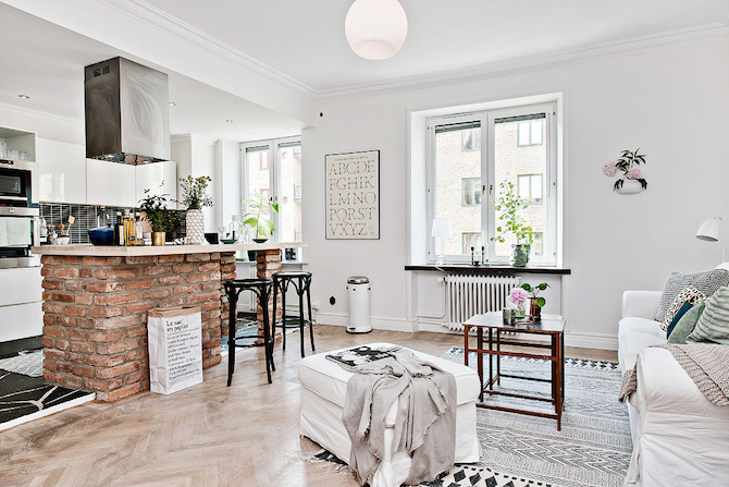 An Airy and Modern Studio Apartment