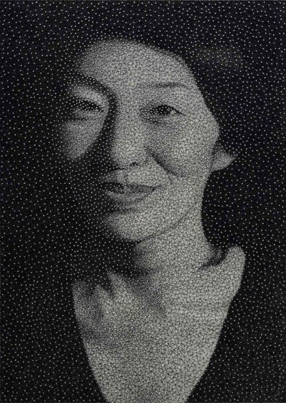 Using A Single Thread And Thousands Of Small Nails On A White Panel, Artist Kumi Yamashita Creates Incredibly Detailed Portraits.