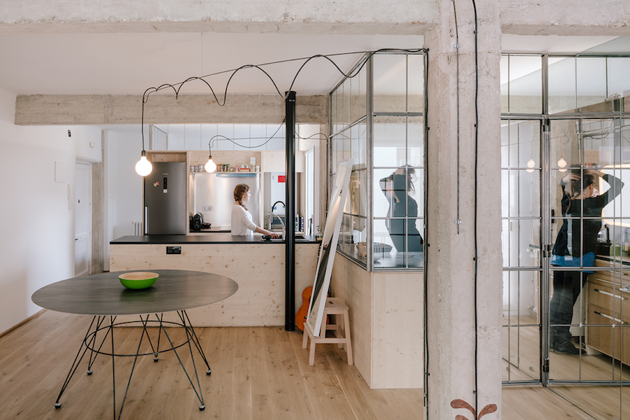 A Small and Functional Apartment by Manuel Ocana