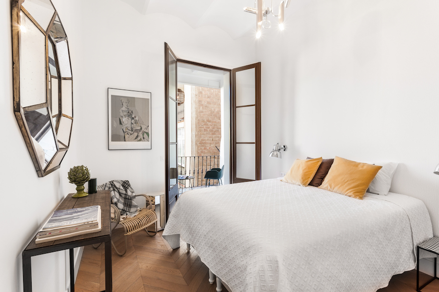 A Stunning Eclectic Apartment in Barcelona