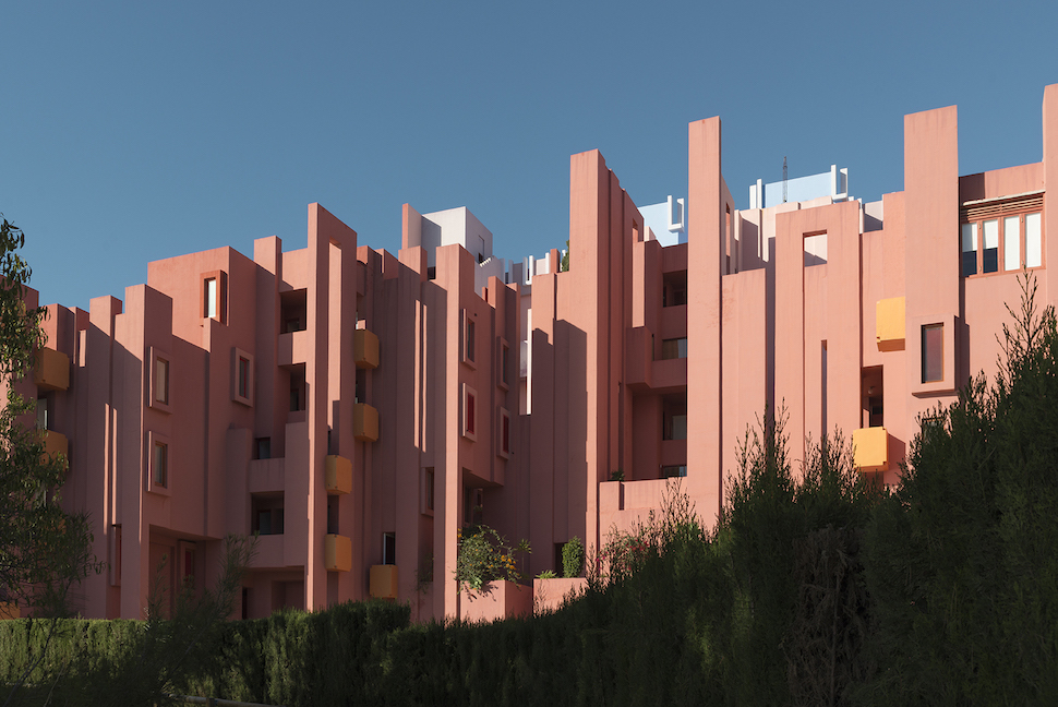 Photographer Andres Gallardo Albajar captures the beauty of La Muralla Roja