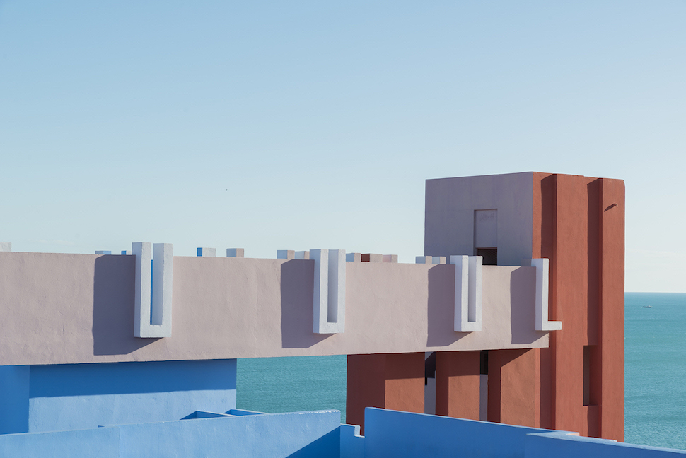 Photographer captures the beauty of La Muralla Roja